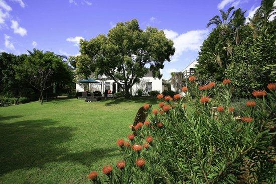 4 Heaven Guesthouse: Garden