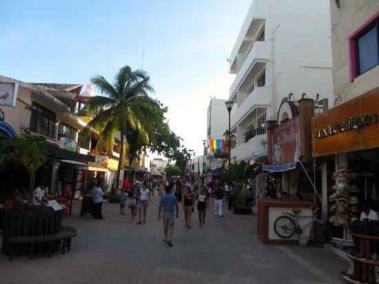 Hotel El Punto: street view