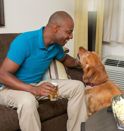 Candlewood Suites Greenville: We Love Pets!