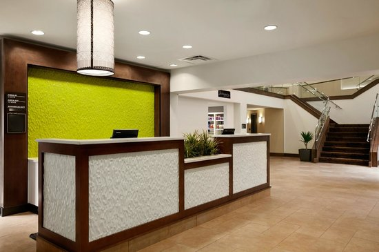 Hilton Garden Inn Rochester/Pittsford: Reception Desk
