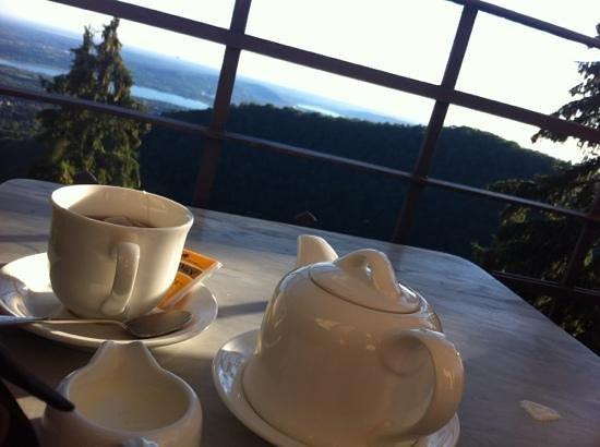 Ristorante Al Borducan : ricordati il libro del tè: il primo sorso è gioia, il secondo letizia, il terzo serenità, il qua