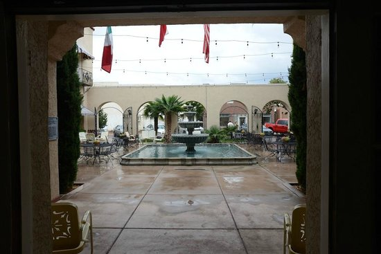 The Hotel Paisano: Patio view