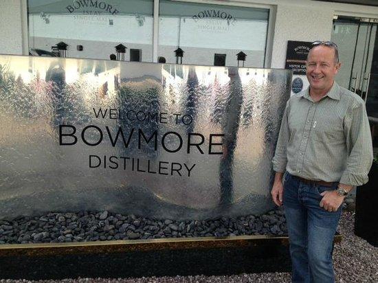 Bowmore Distillery: Outside Bowmore