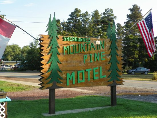 Mountain Pine Motel: Don't miss the drive - look for sign