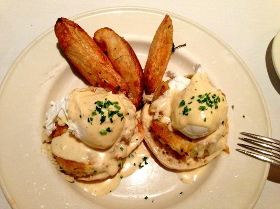 Old Ebbitt Grill: Eggs Chesapeake