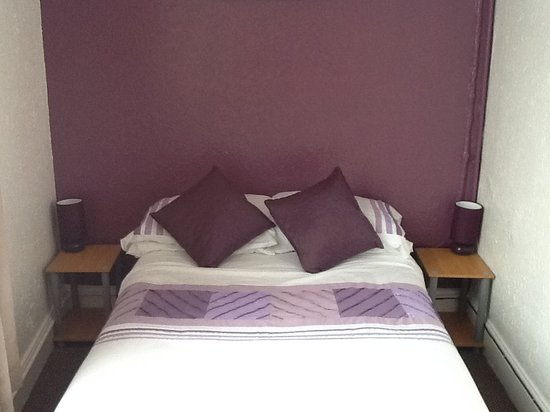 Lynwood Guest House: New room