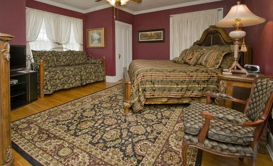 Robinwood Bed and Breakfast : Marian Room