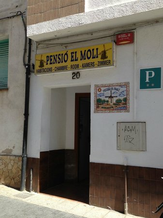Pension el Moli: Hotel entrance