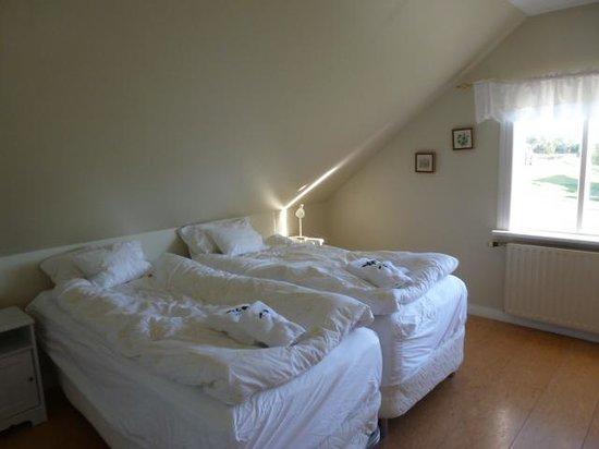 Hrafnagil Guesthouse : Twin Bedroom