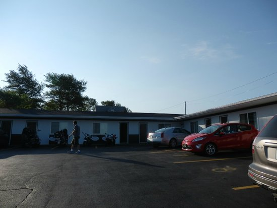Acadian Motel Image