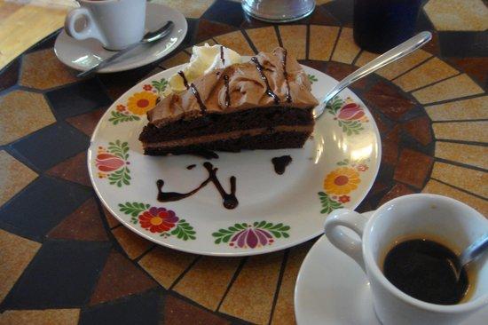 Cafe Babalu: caffe e torta