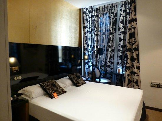 Room Mate Leo: Habitación