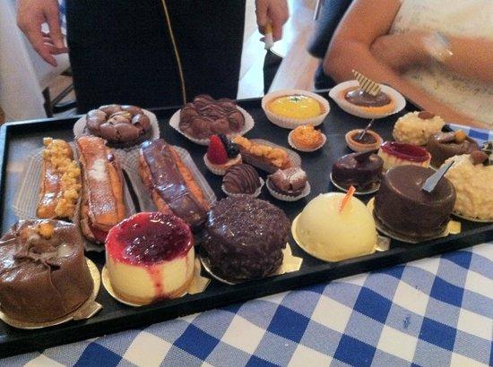 Le Vin Bistro : Dessert Tray