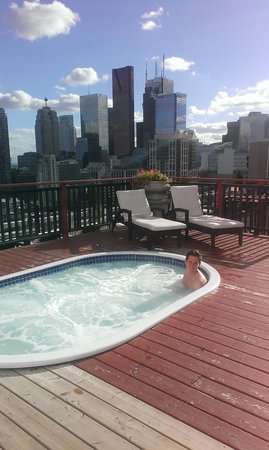 Grand Hotel & Suites: Roof top hot tub