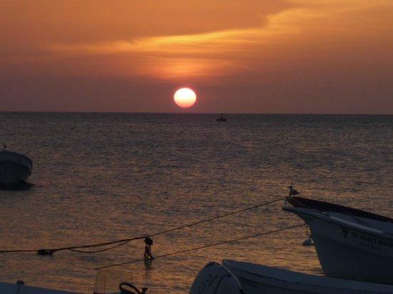 Posada El Botuto: Puesta de sol frente a la Posada