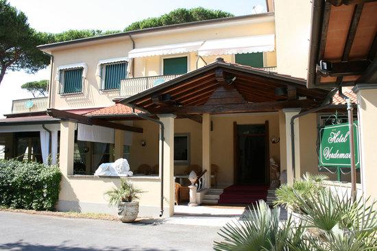 Hotel Verdemare: L'ingresso