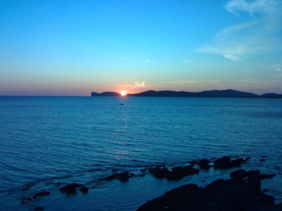Agriturismo il Mirto : Tramonto su Capo Caccia visto da Alghero