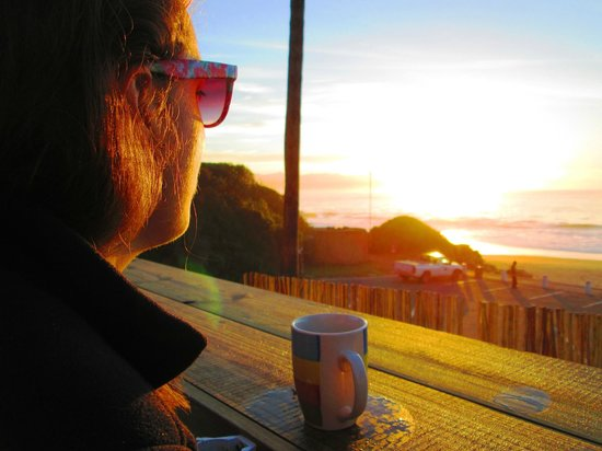 Backpackers Beach House Lodge: Sunrise breakfast