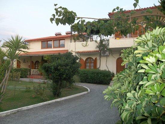 Zervas Apartments: zervas