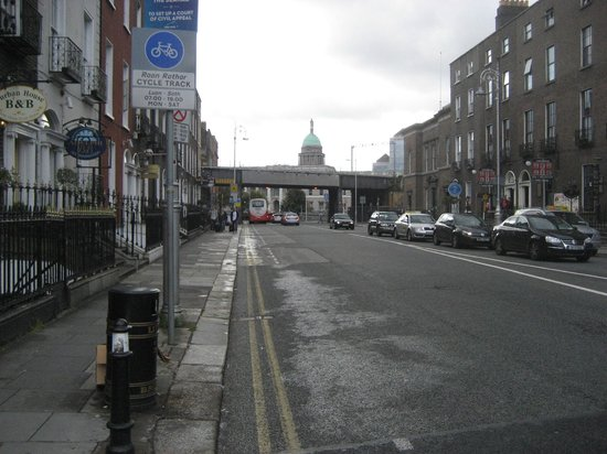 Gardiner Street: Custom Hse in distance