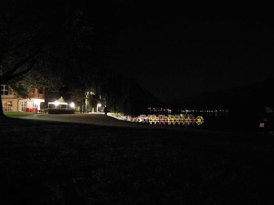 Adriana Family Hotel: lago di Ledro di notte