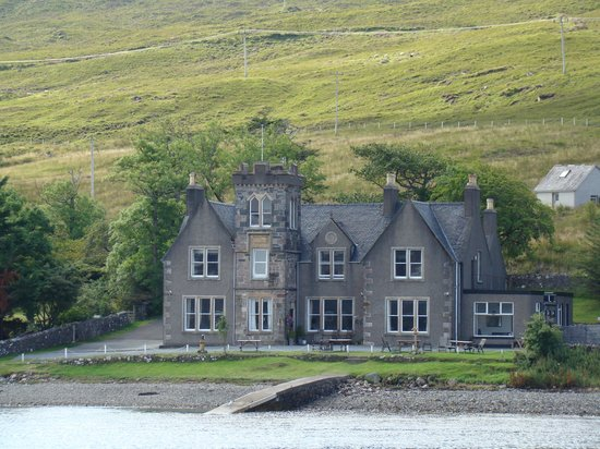 Sconser Lodge Hotel : Sconser Lodge - picture taken from Rasaay ferry