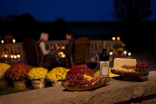 Edenwood Ranch & Preserve: Enjoy a glass of wine and relax!