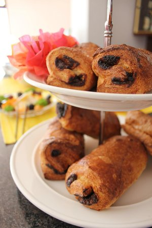 La Serenade Bed and Breakfast: Breakfast Buffet - Pains au Chocolat - Fresh and delicious!