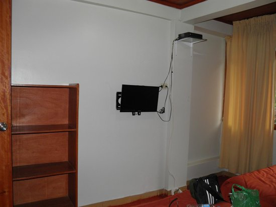 Hostal Varayoc : quarto com tv