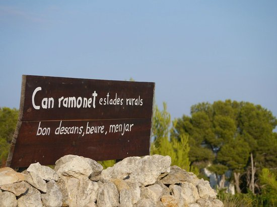 Can Ramonet: Entrance sign to the estate
