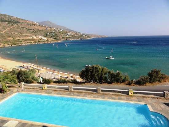 Hotel Perrakis : Sea & pool view from the room