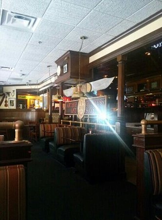 Branigan's Irish Grill & Pub: inside, before dinner rush, 3pm shot