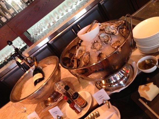 One&Only Cape Town: Champagne e ostras no café da manhã