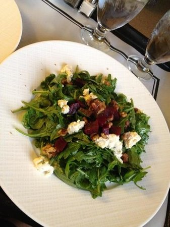 InterContinental Dallas: arugula and beet salad with goat cheese