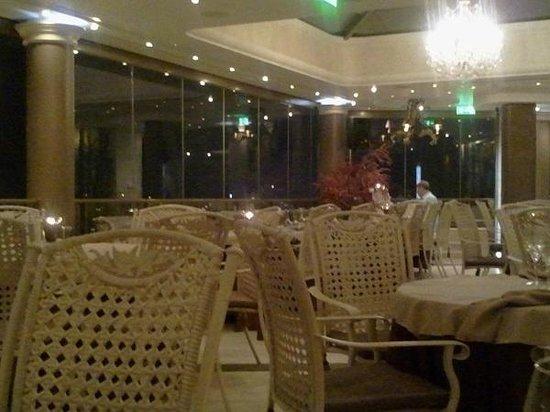 The Athenian Callirhoe Exclusive Hotel: Ristorante ultimo piano