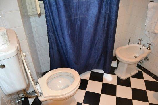 Residenza Dei Pucci: salle de bain