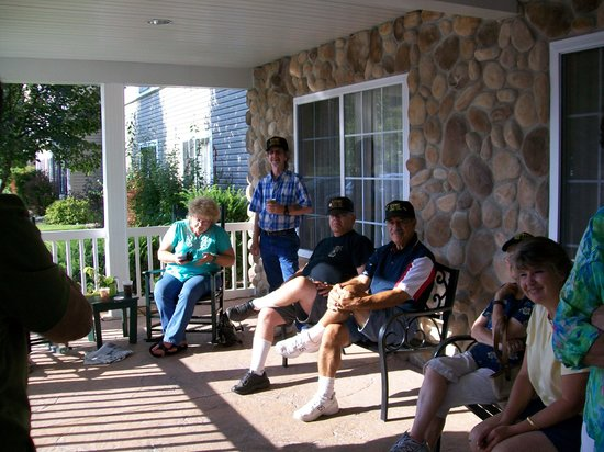 Country Inn & Suites By Carlson, Prairie du Chien: On the front porch of the motel with members of our military platoon