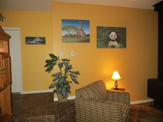 Evergreen Forest B&B : Living room for guests