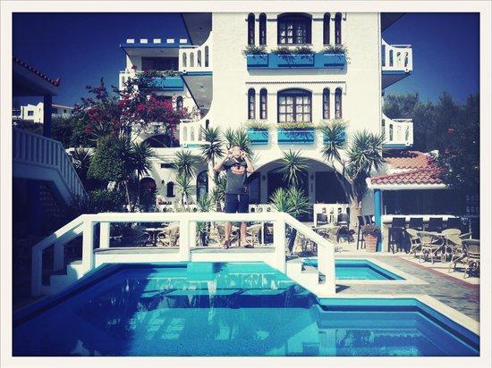 Folia Apartments: Pool