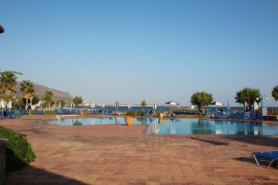 Sirens Hotels Beach and Village : la piscina