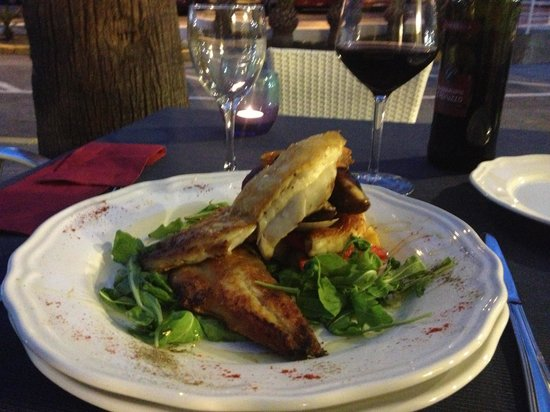 Antico Caffe: Fish of the day fillet of sea bass with prawns, muscles, clams, calamari  etc
