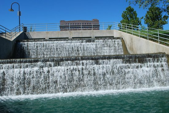 The waterfall in the Heartland of America Park
