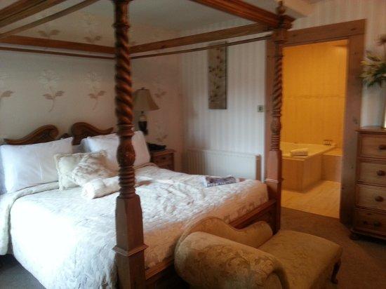 Mill Times Hotel Westport: beautiful bedroom