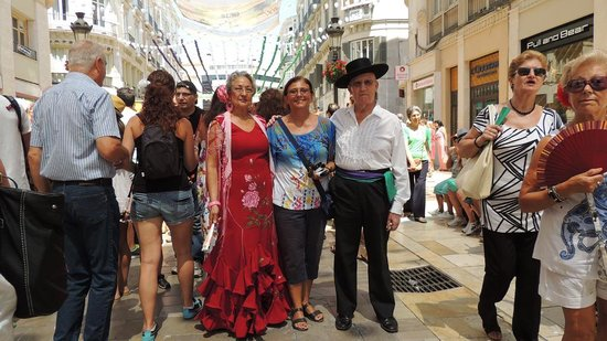 Malaga feria : in..mezzo a due spagnoli originali!