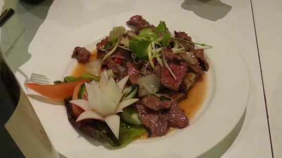 Vietthao: Rindfleisch auf Aubergine