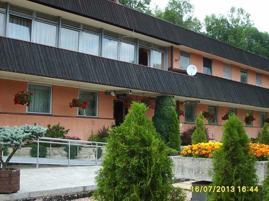 Budowlani: Widok z placu hotelowego