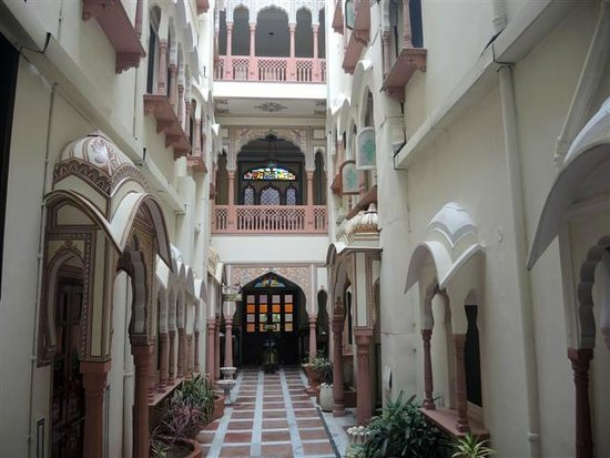 Shahpura House: Atrium