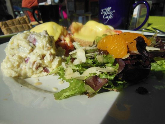 The Trellis Cafe : Lobster Bennies