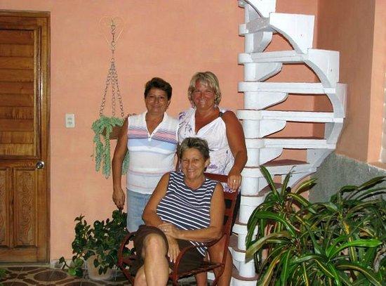 Casa Novoa : Rosa and Maritza