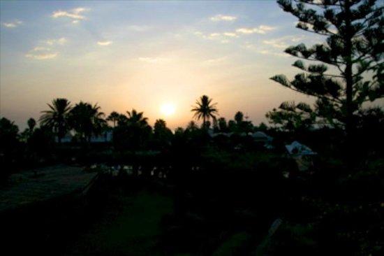 هسدروبال ثلاثة هوتيل آند سبا ميناء القنطاوي: lever de soleil